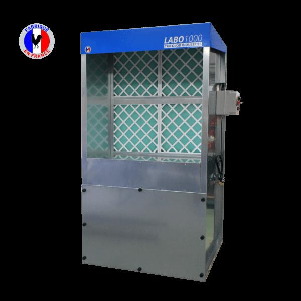 Cabine de peinture avec filtration au charbon actif pour un travail sans odeurs ni COV