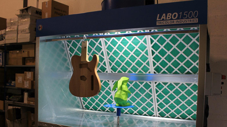 Cabine de peinture Labo 1500 pour pulvérisation de produits liquides