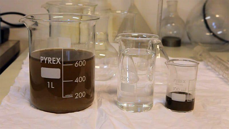 Les recycleurs de solvant permettent de récupérer un solvant propre par distillation